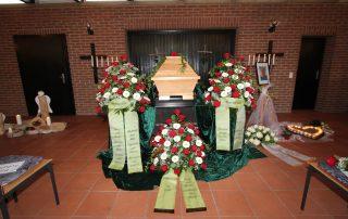 Beedigung Grab Sarg Begräbnis Tischlerei Grobe